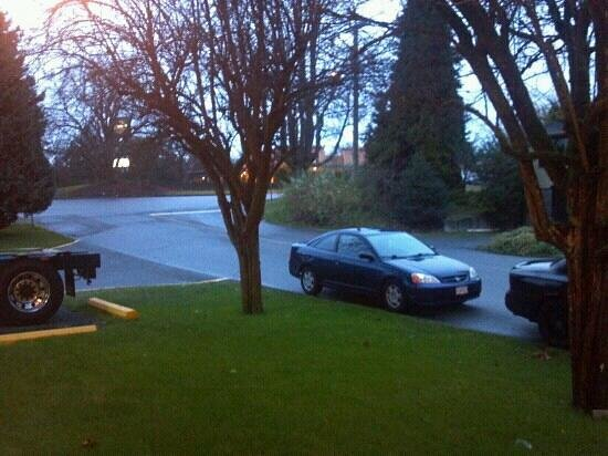 Travelodge Nanaimo: Outside 2