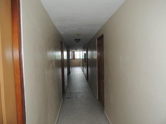 Hotel Covadonga: Los lúgrubres pasillos