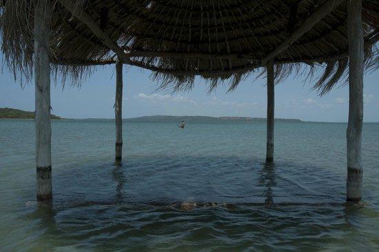 Lagoa Poelela Resort: Capanne nell'acqua