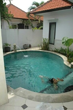 Lake Grace Villas: the swimmin pool
