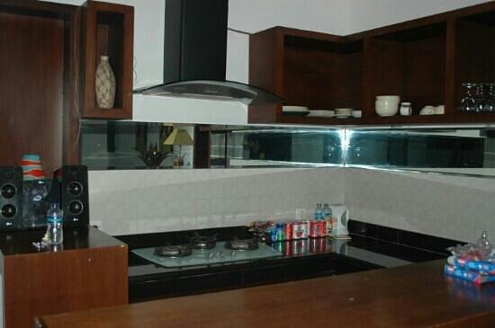 Lake Grace Villas: the kitchen