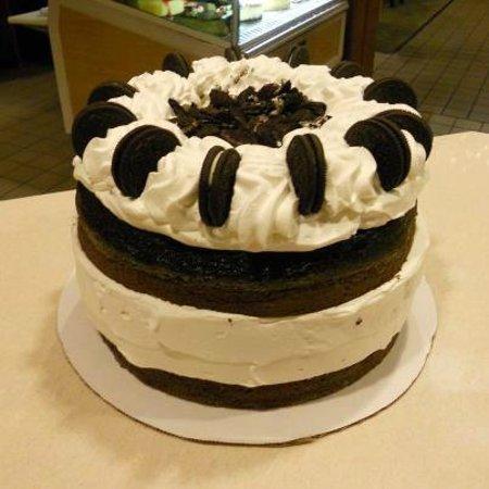 Blue Ribbon Restaurant & Bakery: Oreo Cheesecake