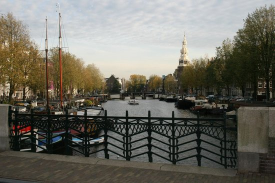 Grand Hotel Amrath Amsterdam: close by