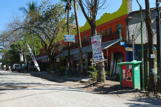 Nautilus Boutique Hotel - Wellness Retreats: Street around the corner from nautilus