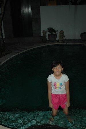 Lake Grace Villas: blackout swimming pools