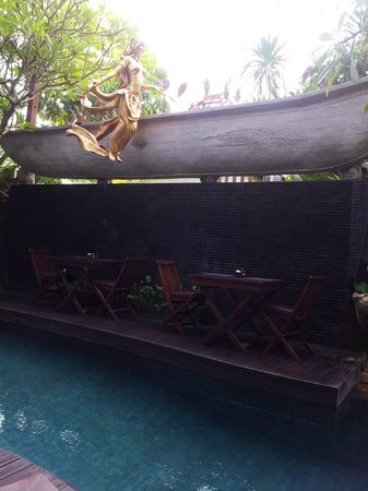 The Bali Dream Suite Villa: Breakfast