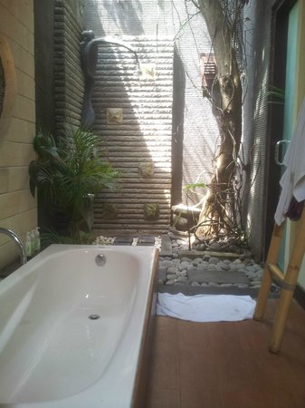 The Bali Dream Suite Villa Seminyak: Open theme bathroom
