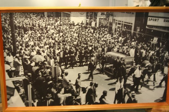 Funeral Procession - Picture of Martin Luther King Jr ...