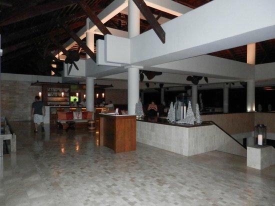 Lobby & French Restaurant