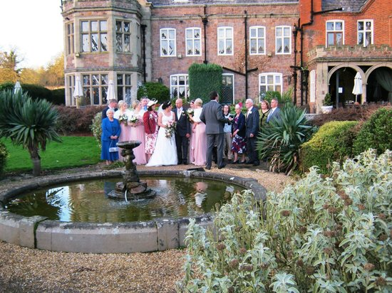 Rothley Court: Garden/fountain with hotel as backdrop