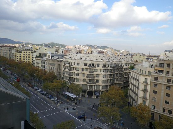 Suites Avenue: Pedrera vue du toit terrasse