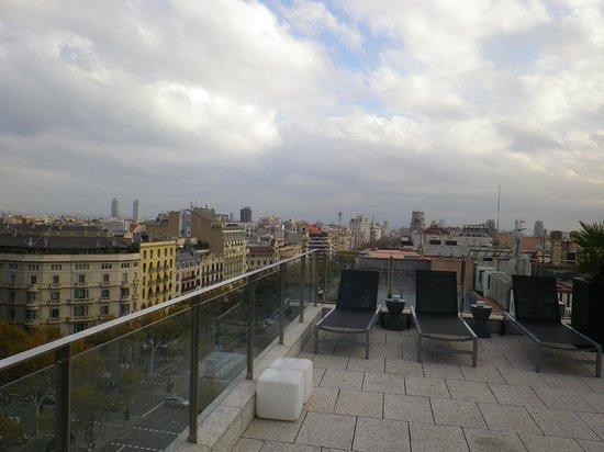 Suites Avenue: Terrasse