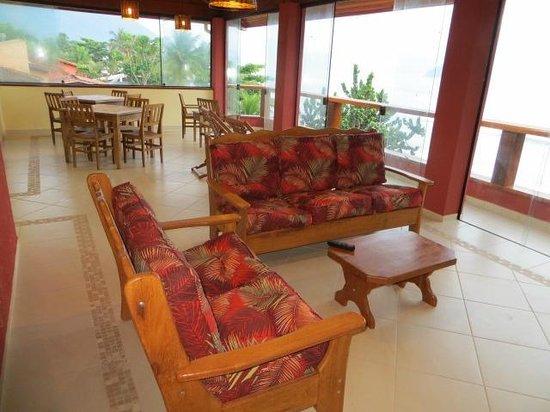 Pousada Casa na Praia: Sala de Estar e TV Cobertura