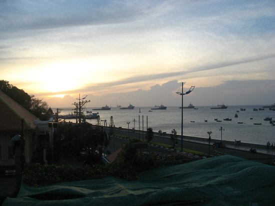 Vung Tau P&T Hotel: Uitzicht aan het zwembad