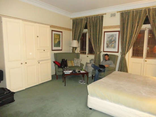 Simpsons of Potts Point Hotel: room