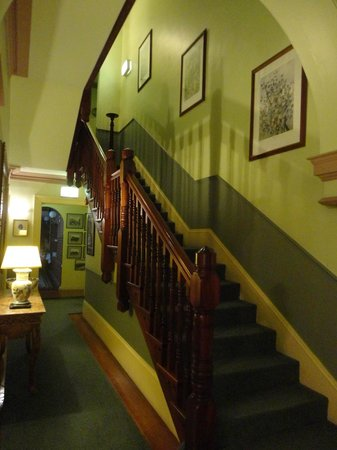 Simpsons of Potts Point Hotel: Stairs to the rooms