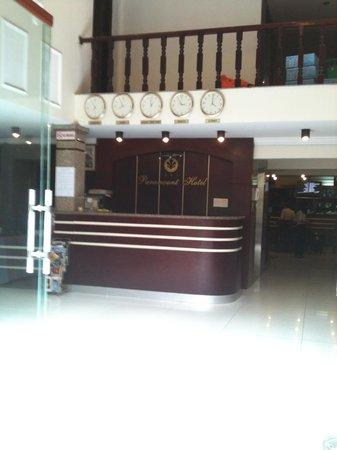 Paramount Hotel Hanoi: Reception Area