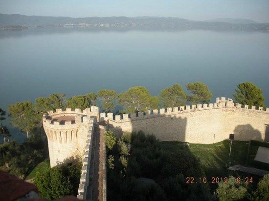 Casa Renato : Il lago visto dalla Rocca.