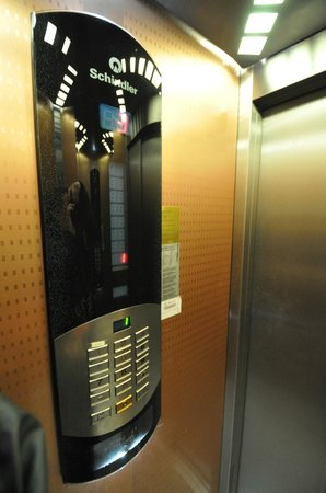 Elevator, Daphne Hotel, Sultanahmet, Istanbul, May 2012