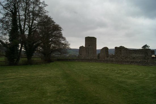 Tretower Castle & Court: Burg von Aussen