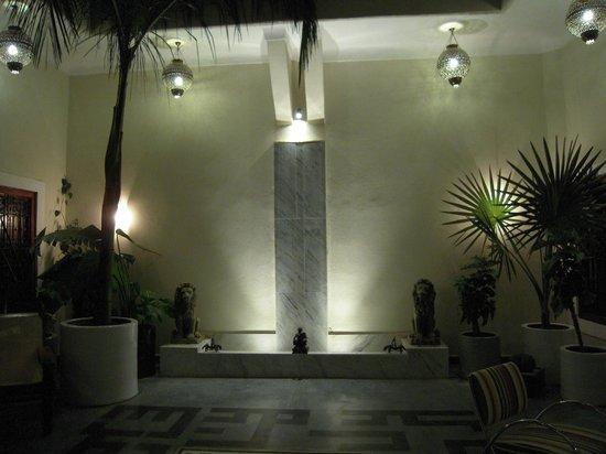 Dar Ait Sbaa: La beauté d'une des deux fontaines du patio