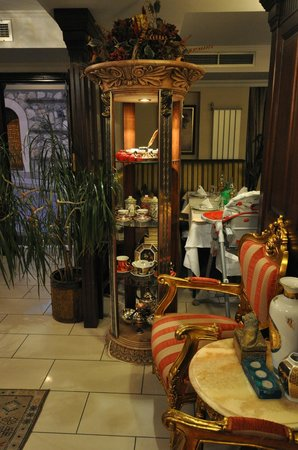 Lobby in the evening, Daphne Hotel, Sultanahmet, Istanbul, May 2012