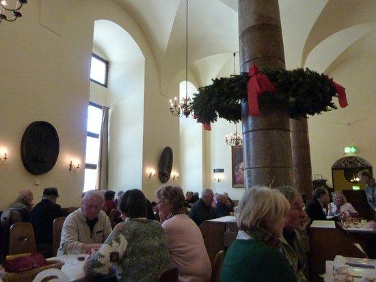 Pfalzer Residenz Weinstube : Friendly eatery