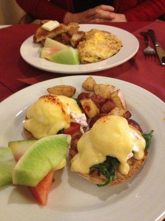 Inn at Churon Winery: Breakfast