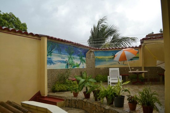 Villa La Roca: Terrace in the rain
