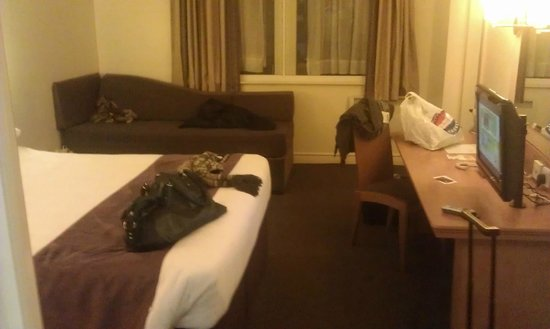 Premier Inn Manchester City Centre - Portland Street: The Room