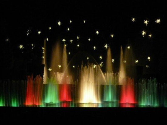 The fountain show at Longwood's Christmas - Picture of Longwood ...
