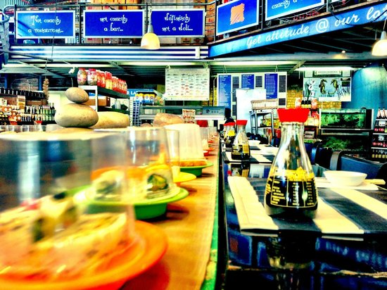 34 South: And the sushi bar goes round and round