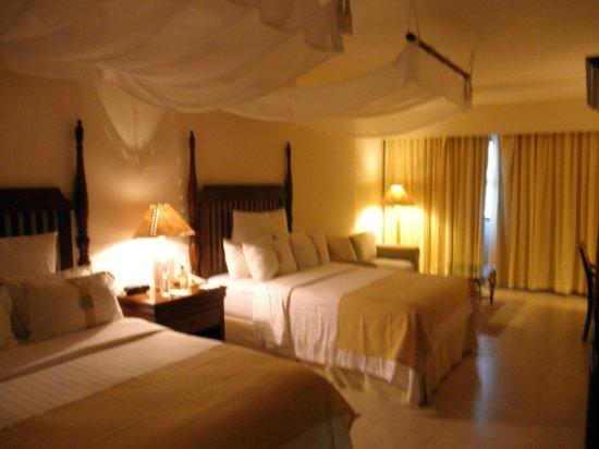 Holiday Inn Merida : habitación dando a las traseras