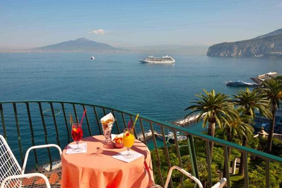 Hotel Continental: view from Suite Vesuvio