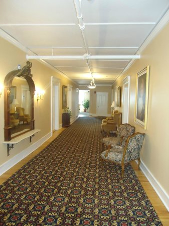 Thayers Inn: hall