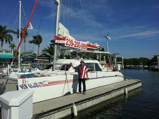 Cape Coral, Flórida: Captain Bud and Old Glory