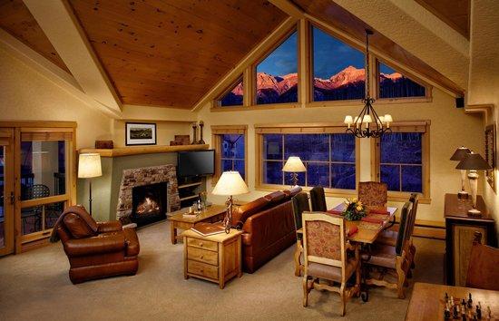 Fairmont Heritage Place, Franz Klammer Lodge: Living Room