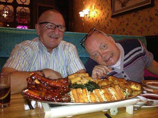 Michael Wan's Mandarin Cantonese Restaurant: Gordon and chris with the starters