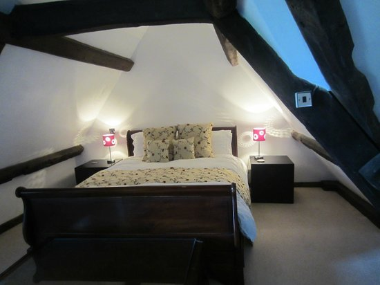 The Old House Suites: 2nd bedroom of Thomas Bromley suite