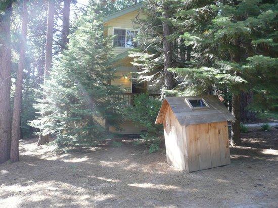 Tenaya Lodge at Yosemite: Outside Cabin/accommodation 