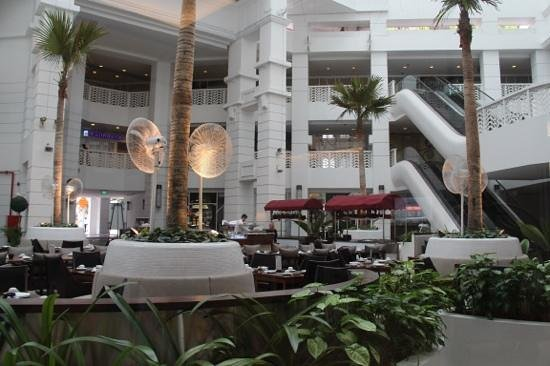 Rendezvous Hotel Singapore by Far East Hospitality: resturant area