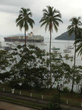 كنتري إن آند سويتس باي كارلسون لانسنج: Sitting on balcony enjoying the view of ships on the Panama Canal 