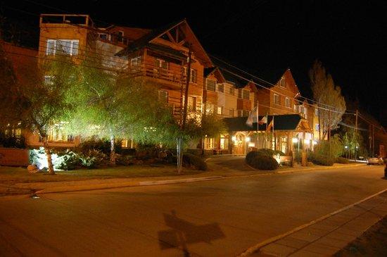 Hotel Kosten Aike by night