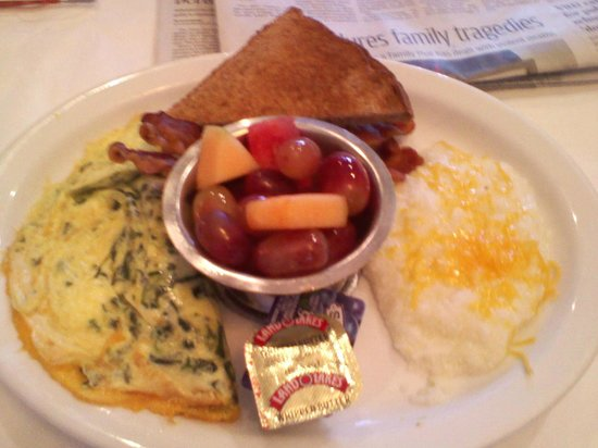 My delicious, made-to-order breakfast at Riverdale Inn