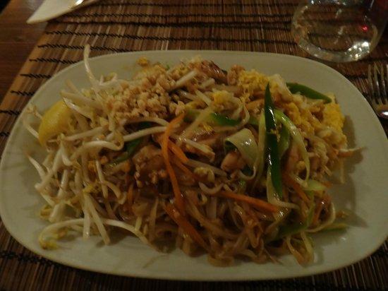 Orange Moon : Yummy Pad Thai