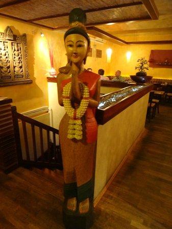 Orange Moon : Inside of the restaurant