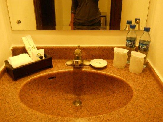Days Hotel Iloilo: Toiletries