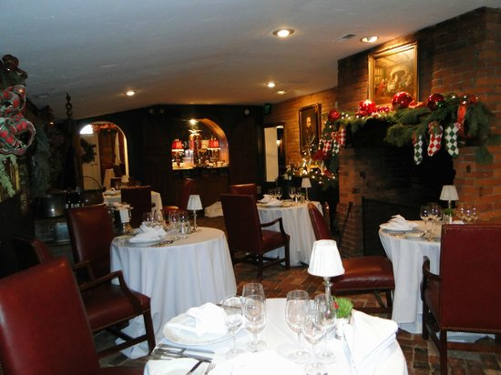 Antrim 1844 Country House Hotel: Dining