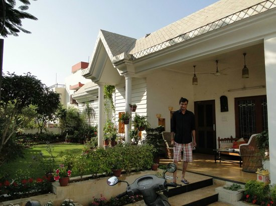 All Seasons Homestay Jaipur: front of the house