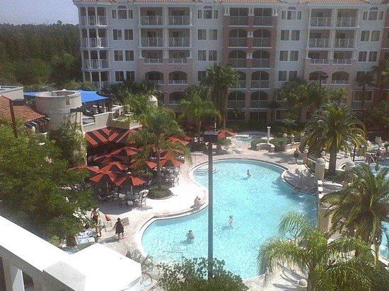 Marriott's Grande Vista: Pool and poolside bar